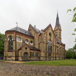 Bild: Rīga - Die Evangelisch Lutherische Kirche - Lutera evaņģēliski luåteriskā baznīca - im Stadtteil Torņakalns am linken Ufer der Daugava. Die neugotische Kirche wurde zwischen 1888 und 1891 erbaut.