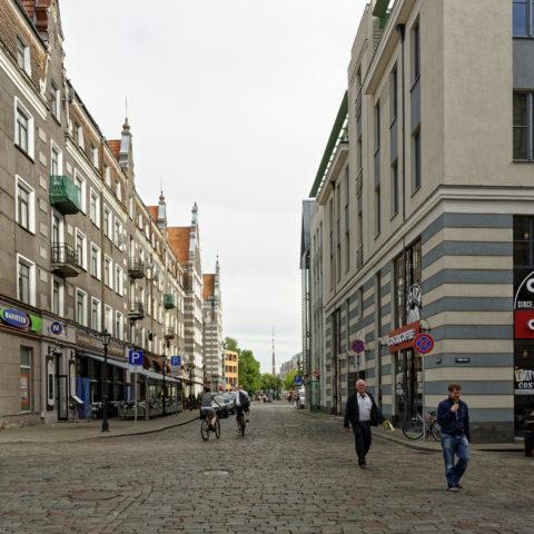 Bild: Rīga - Der Fernsehturm oder Rīgas radio un televīzijas tornis auf der Insel Zaķusala von der Altstadt aus gesehen. Aufnahme aus dem Jahre 2012. Klicken Sie auf das Bild, um es zu vergrößern.