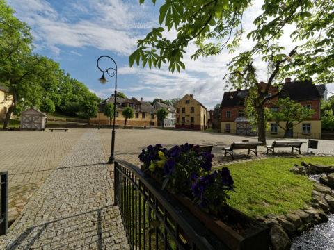 Bild: Die Kleinstadt Kandava in Kurzeme (dt.: Kurland) ist eine sehr gepflegte lettische Kleinstadt mit nicht einmal 4.000 Einwohnern. Klicken Sie auf des Bild um es zu vergrößern.