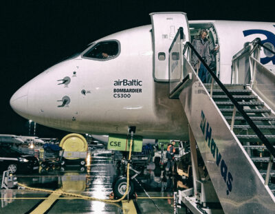 Economy & Politics: Why the Latvian airline airBaltic now only uses a fleet of Airbus A220-300
