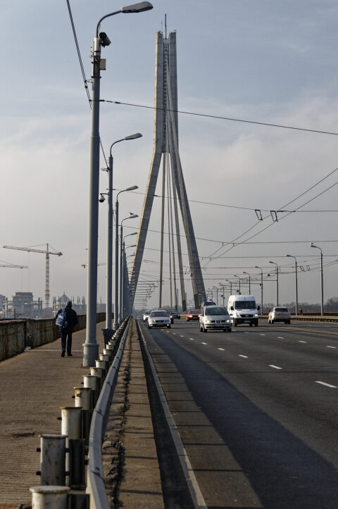 Image: The Vanšu Bridge in Rīgā. In the background you can see both Z-Towers which where still under construction. Double click on the image to enlarge.