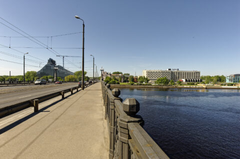 Image: The Akmens tilts - Stone Bridge - in Rīgā. View from the bridge to the National Library. Double click on the image to enlarge.