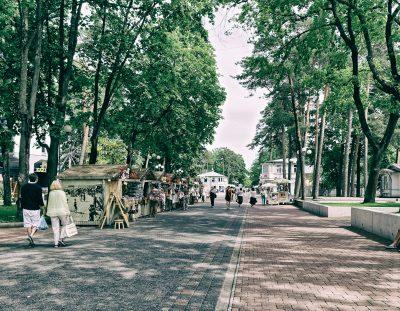 Travel & Tourism: Lettlands weiße Küste. Vom Zauber einer Sommernacht. Eine arte Dokumentation über die Mitsommersnachtswende am Kap Kolka.